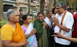Thumb_meeting_the_women_in_south_bengaluru