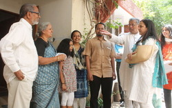 Thumb_rohini_campaigns_with_girish_karnad_and_chaithanya